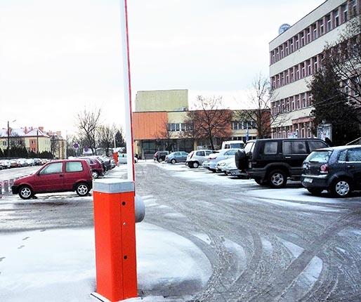 Opóźnienie z parkingiem