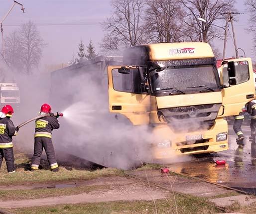 Ciężarówka w ogniu