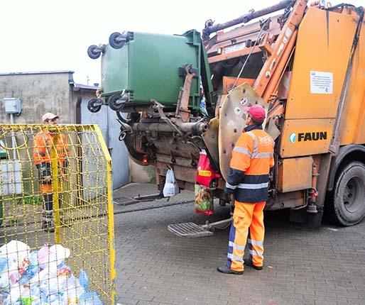Rada uchwaliła podwyżki. Więcej za śmieci!
