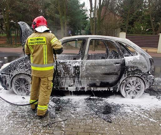 Samochód płonął jak pochodnia