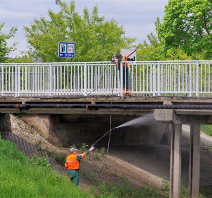 mycie mostu
