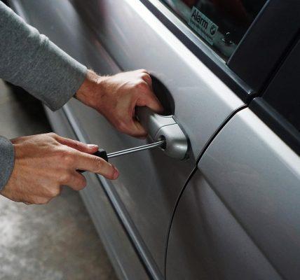 włamanie do auta