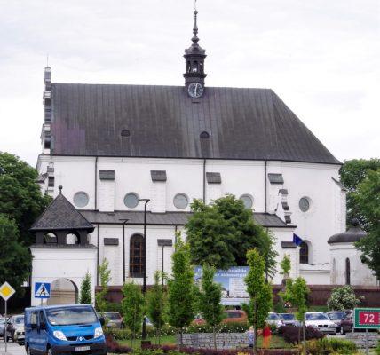 kościół w poddębicach