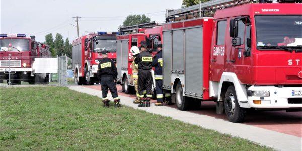strażacy w szkole