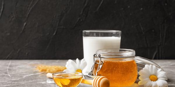 mleko z miodem