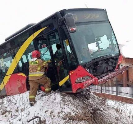 autobus na skarpie