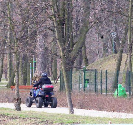 quad w parku
