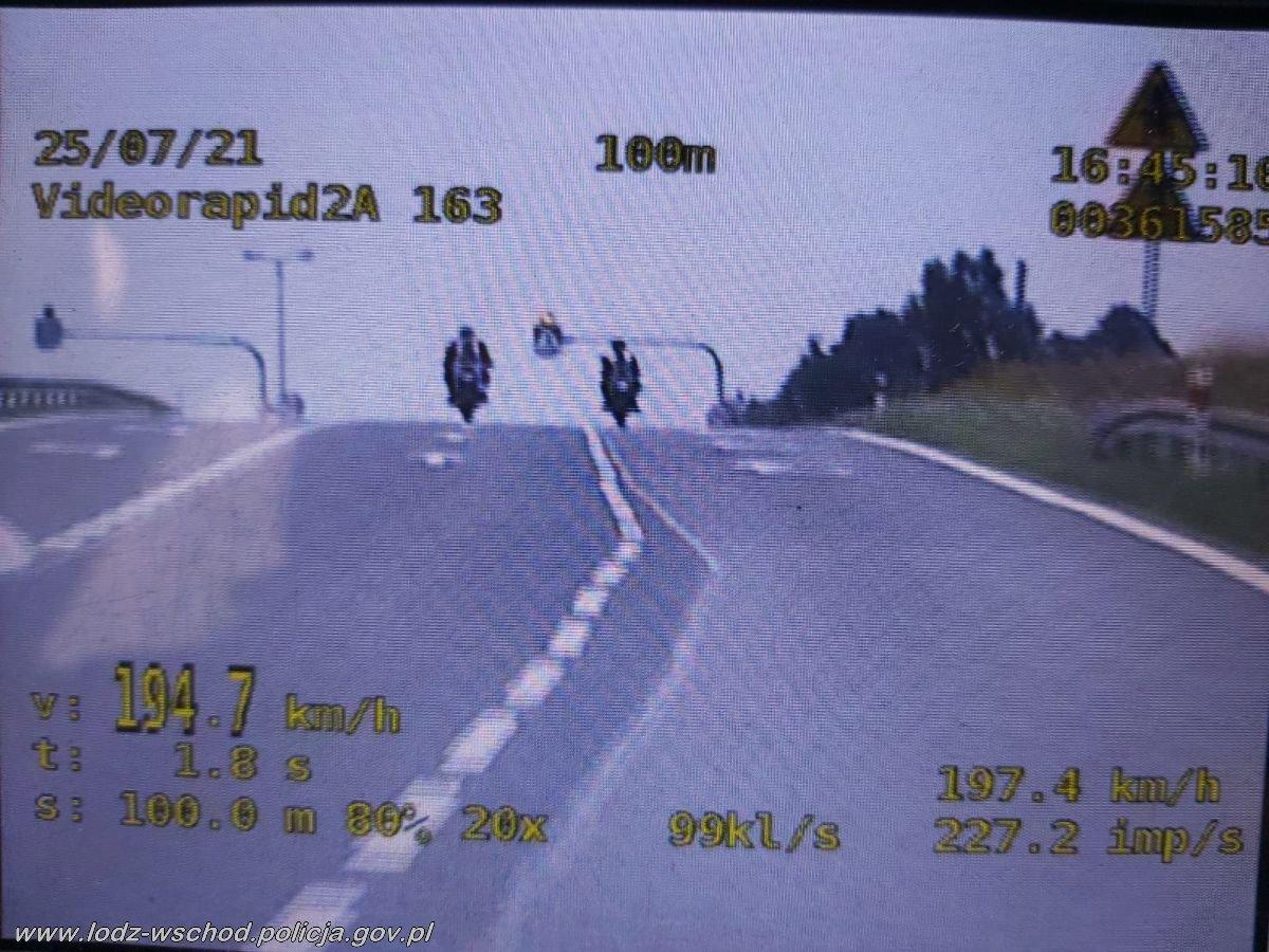 pędzili motocykliści