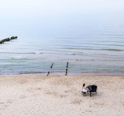 fortepian nad morzem