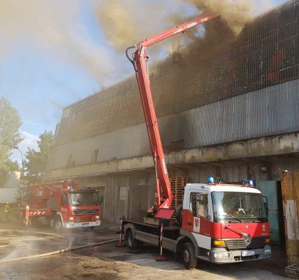 pożar hurtowni przędzy
