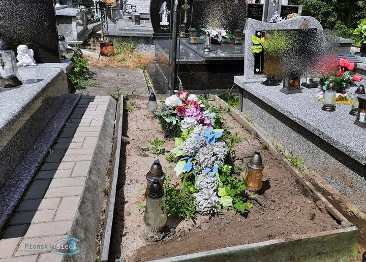 noworodek cmentarz